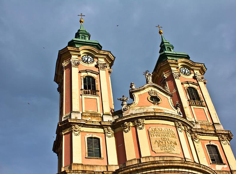 eger-latnivalo-minorita-templom-hotel