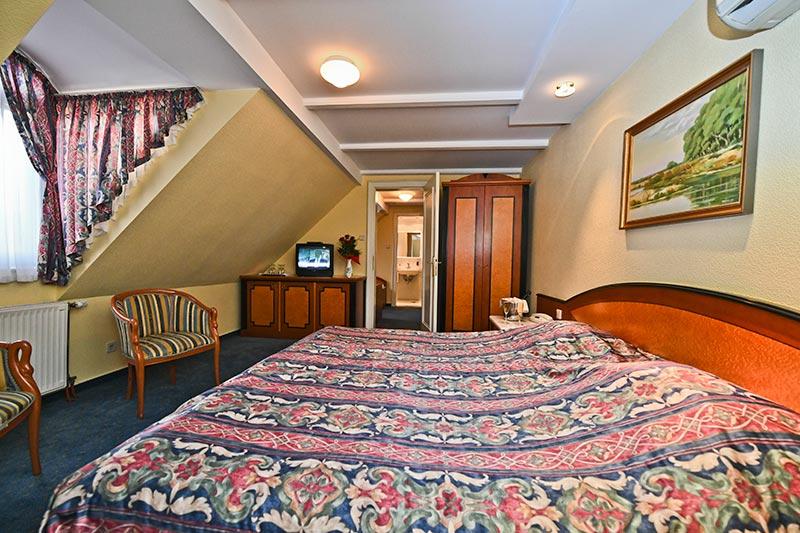 offi-haz-hotel-eger-belvaros-11